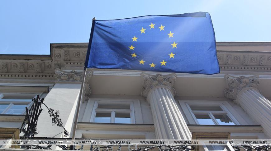 COVID-19 и пандемия бедности: в ЕС обездоленным выдают продукты и обещают продлить контракты