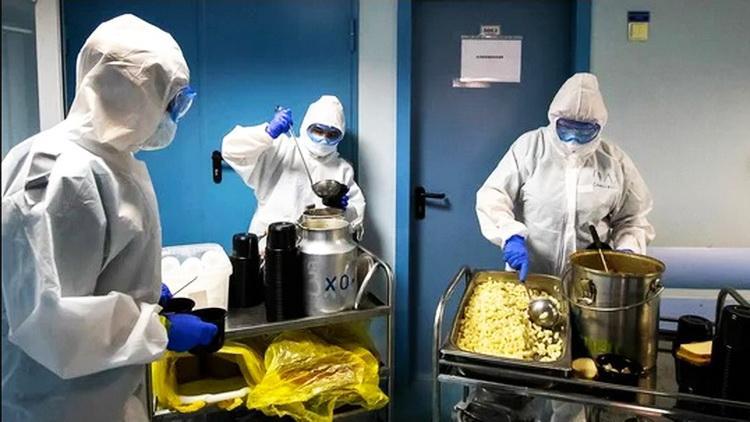 Профкомы Гомельщины доставляют медикам не только средства защиты, но и пищу