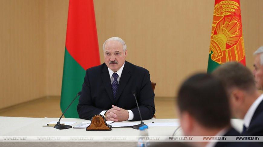 Лукашенко приехал в Полоцк, чтобы расставить точки над «i» по вопросам ЖКХ