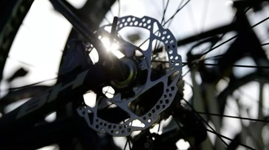 На улицы Парижа после карантина выехало рекордное количество велосипедистов