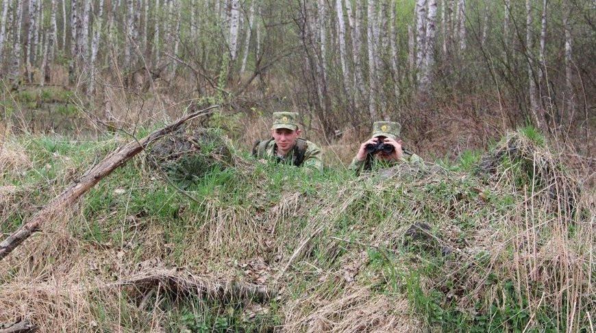 Пограничники со стрельбой задержали двух нарушителей