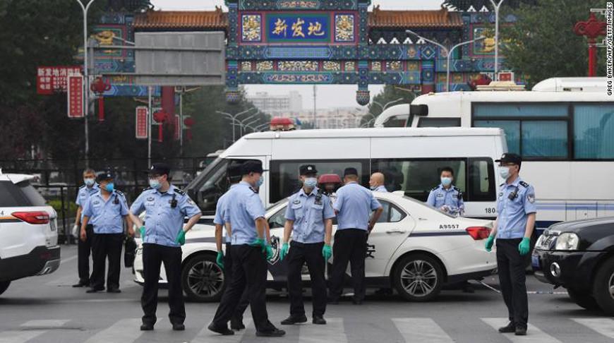 В Пекине из-за вспышки коронавируса введен режим военного положения