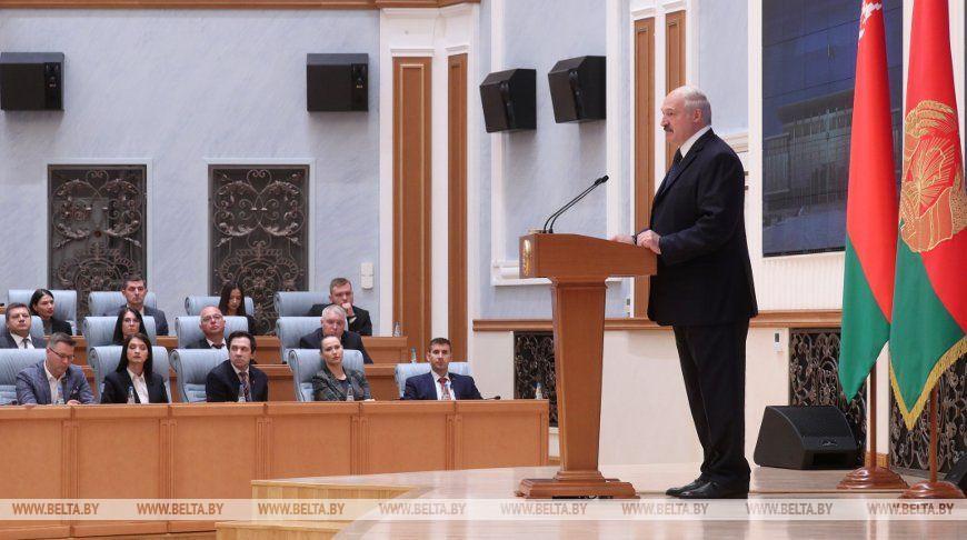 Встреча Лукашенко с представителями крупнейших СМИ