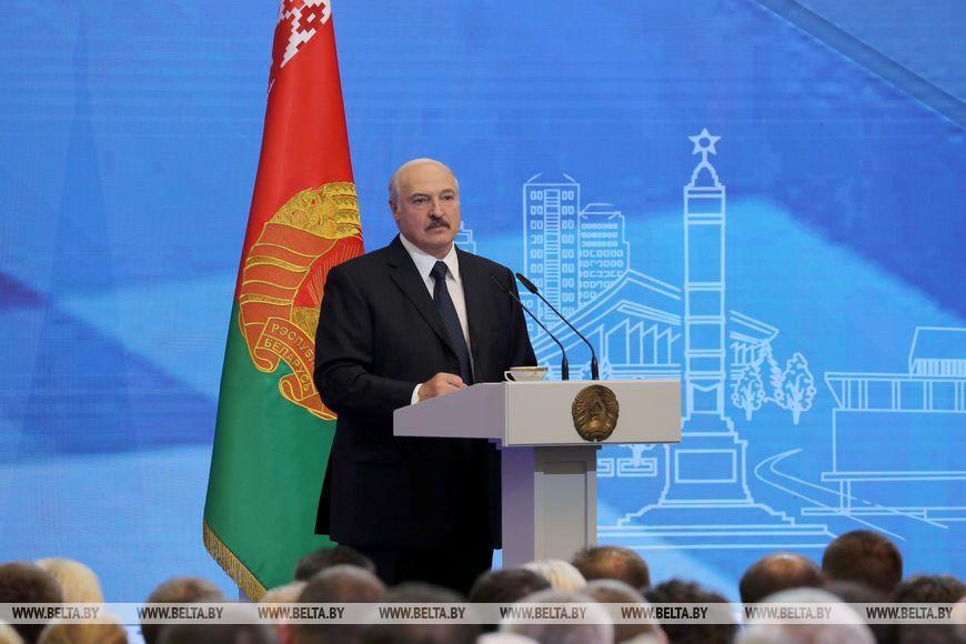 Лукашенко: надо обеспечить равномерное развитие страны