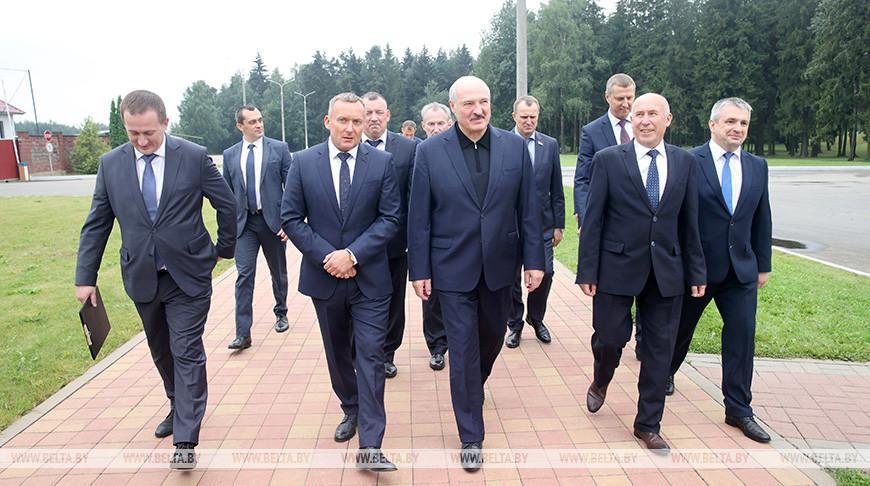 «Это хороший пример модернизации села и сельского хозяйства» — что показали Лукашенко на агрокомбинате «Дзержинский»