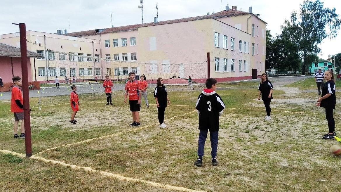 В гимназии провели спортивно-игровую программу «Спорт-микс»