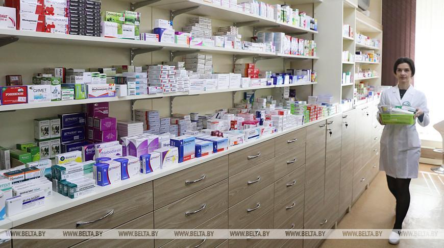 Белорусских аптекарей начали страховать от COVID-19