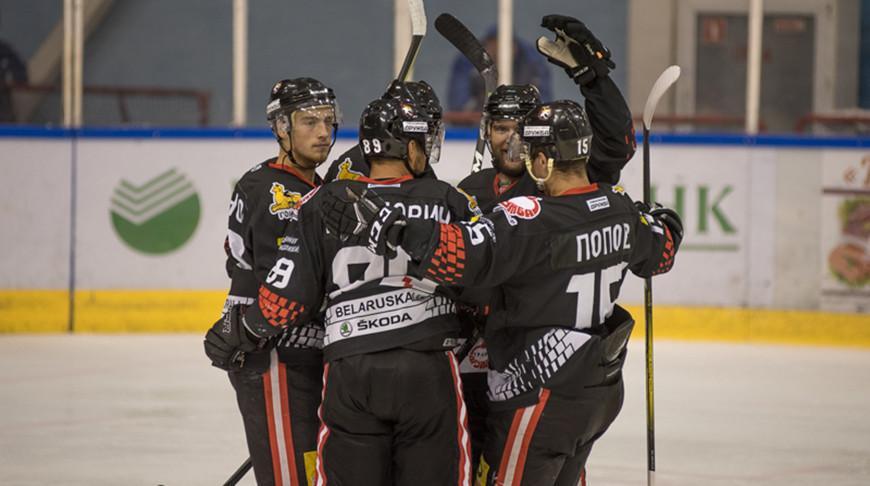 Хоккеисты «Гомеля» обыграли «Брест» и вышли в «Финал четырех» Кубка Салея