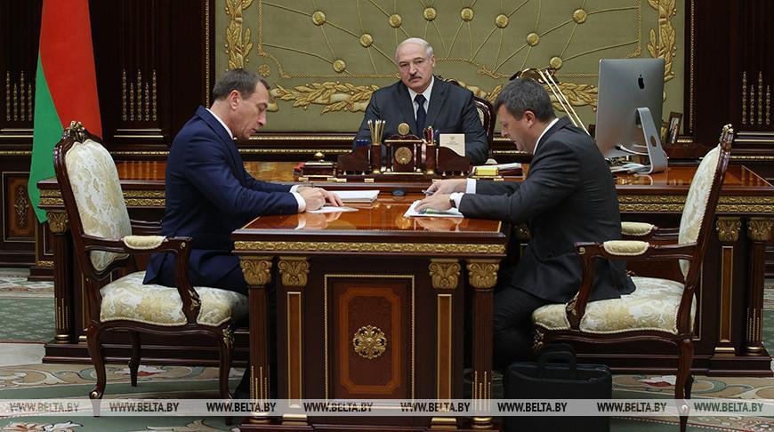 О зарплатах, пенсиях и внешнем долге — Лукашенко принял с докладом первого вице-премьера и министра финансов
