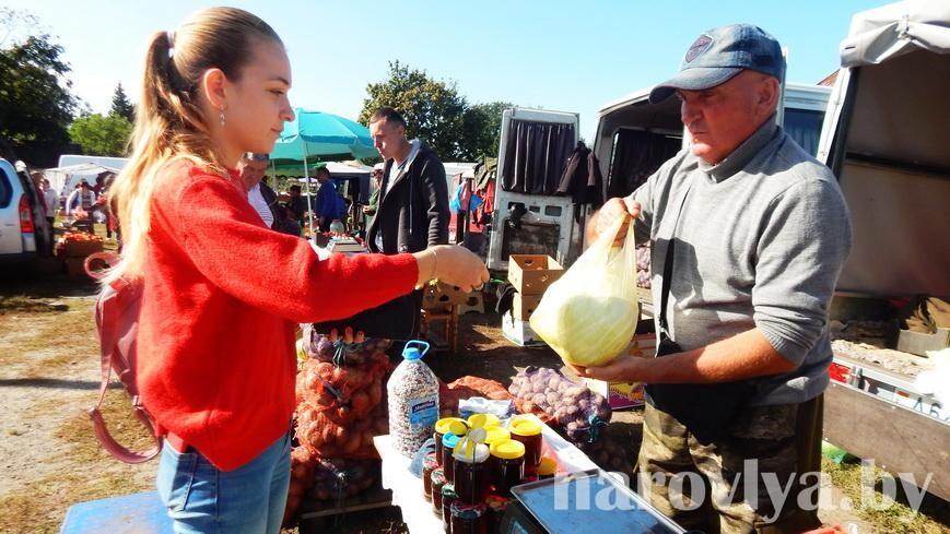 Фото. На Наровлянщине начался сезон традиционных ярмарок