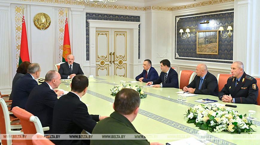 Лукашенко: в последнее время сделано немало, чтобы нормально функционировала экономика