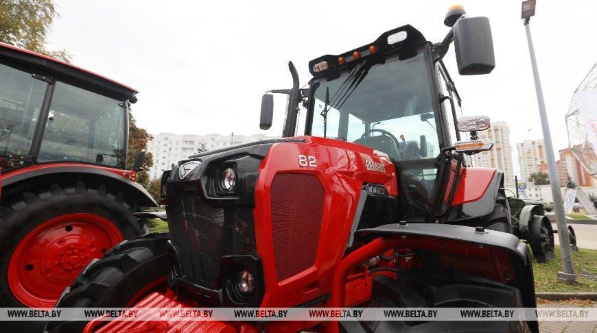 МТЗ презентовал на «Белагро» обновленный легендарный трактор BELARUS-82