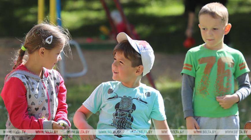 Для детей учеба и игры более естественны, чем митинги — Межевич