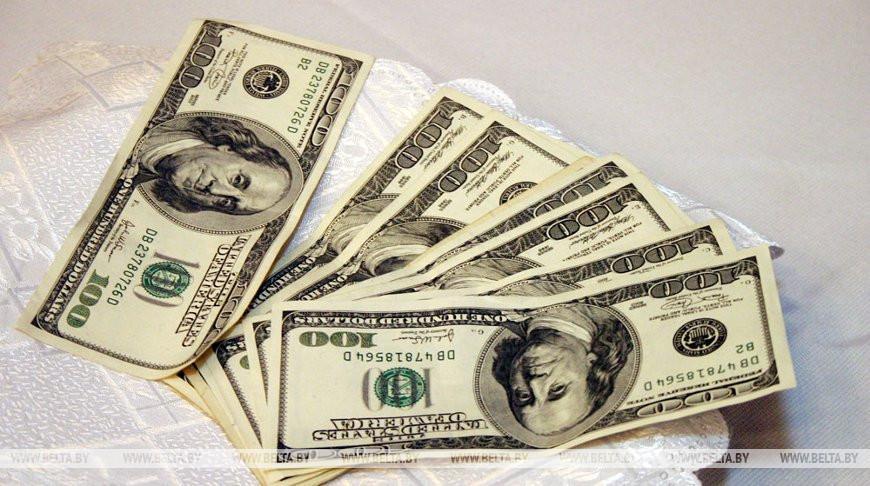 МВД: совершение валютно-обменных операций между физлицами запрещено