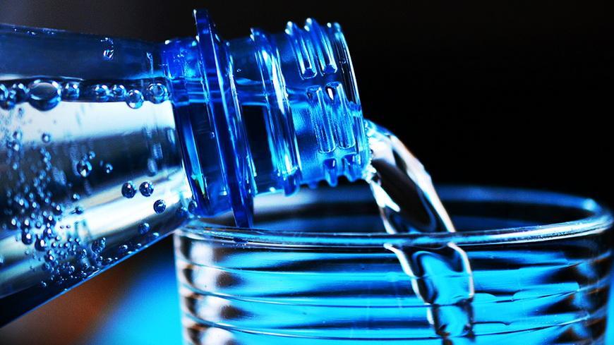 Врач рассказал, какая вода наносит вред организму