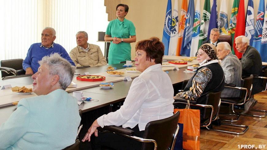 Профсоюзы Гомельщины устроили для пожилых людей благотворительную акцию