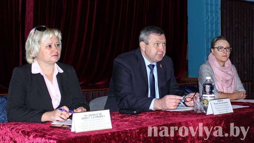 Сенатор встретился с жителями Головчиц