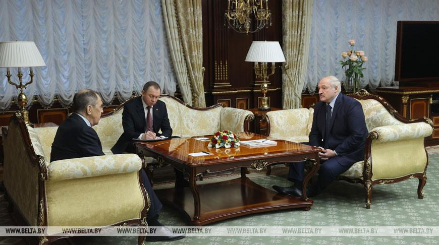 Лукашенко о белорусско-российских отношениях: надо говорить не о перезагрузке, а об их усилении