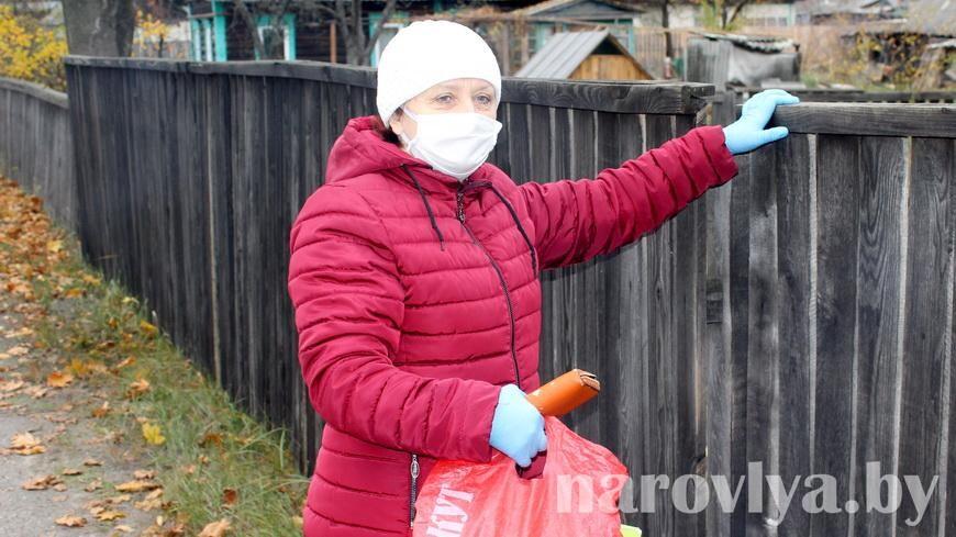 На Наровлянщине соцработники продолжают оказывать помощь пожилым гражданам