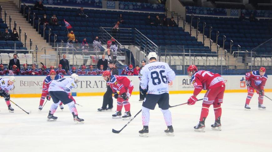 Хоккеисты «Юности» обыграли «Металлург-Жлобин» и возглавили турнирную таблицу чемпионата Беларуси