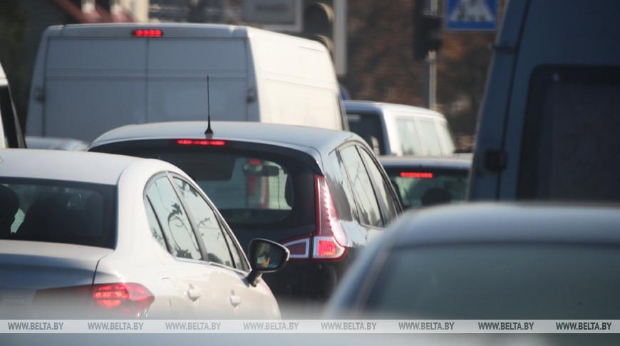 ГАИ рекомендует водителям избегать лишних перестроений и опасных маневров