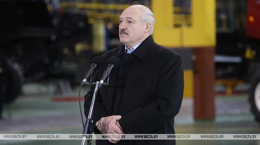 Лукашенко о сливах в Telegram-каналах: потерпите немножко, на следующей неделе все расскажем