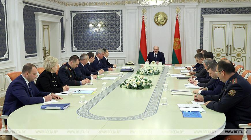 Лукашенко поручил разобраться с дорожным сбором на уровне правительства и парламента. А что говорят там?