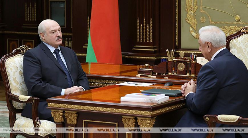 Лукашенко: вокруг ЕАЭС складывается очень серьезная обстановка, идет экономическая война