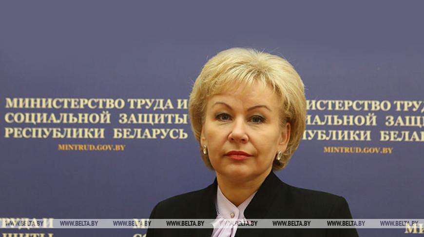 Декретный отпуск и семейный капитал — Костевич рассказала о планируемых изменениях