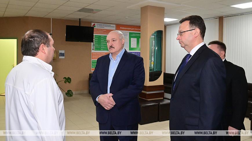 Лукашенко посетил 4-ю городскую клиническую больницу Минска