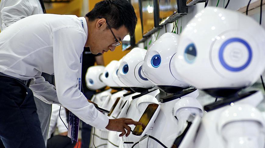 В Японии появились «антиковидные роботы»