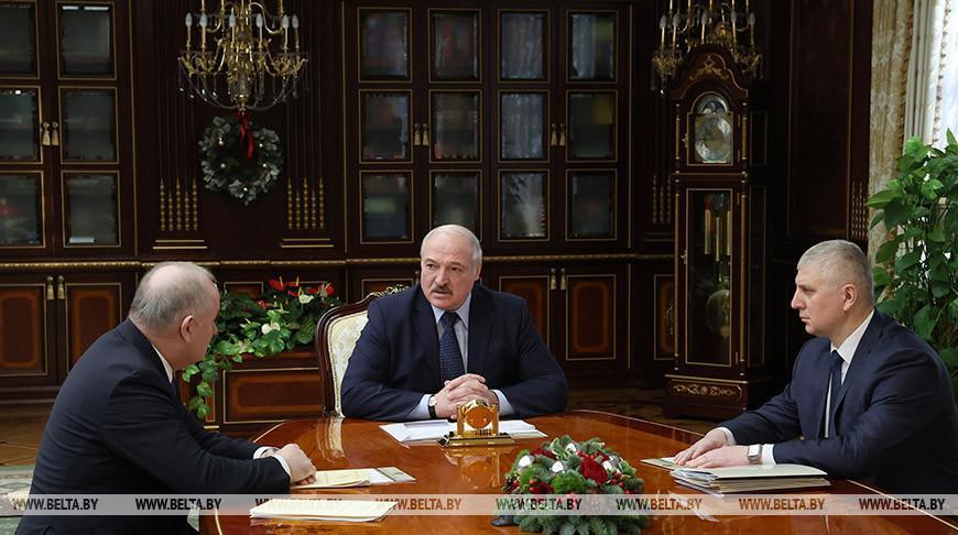 Лукашенко ориентирует банки на кредитование реального сектора, но без «воздушных денег»