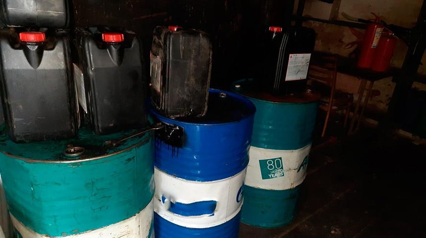 Три работника похитили с агропредприятия в Мозырском районе более 1 тыс. л топлива