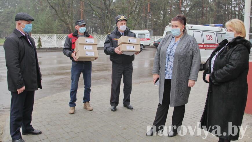 Наровлянские правоохранители оказали помощь медработникам