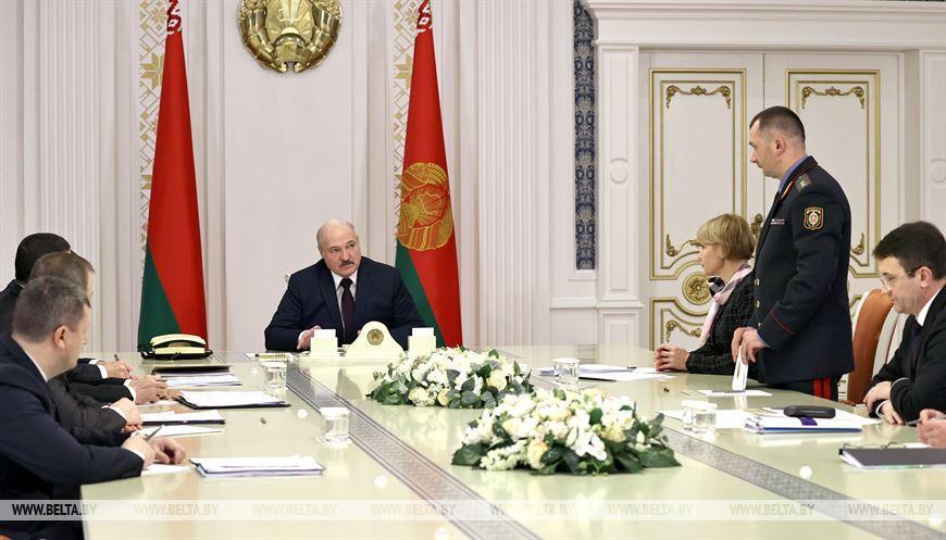 Лукашенко одобрил введение биометрических документов, но отдельные моменты поручено доработать