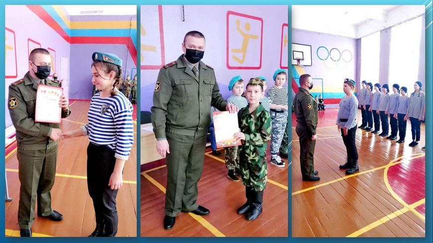 ФОТОФАКТ. Посмотрите, как в гимназии прошел смотр строя и песни «Мы — патриоты!»