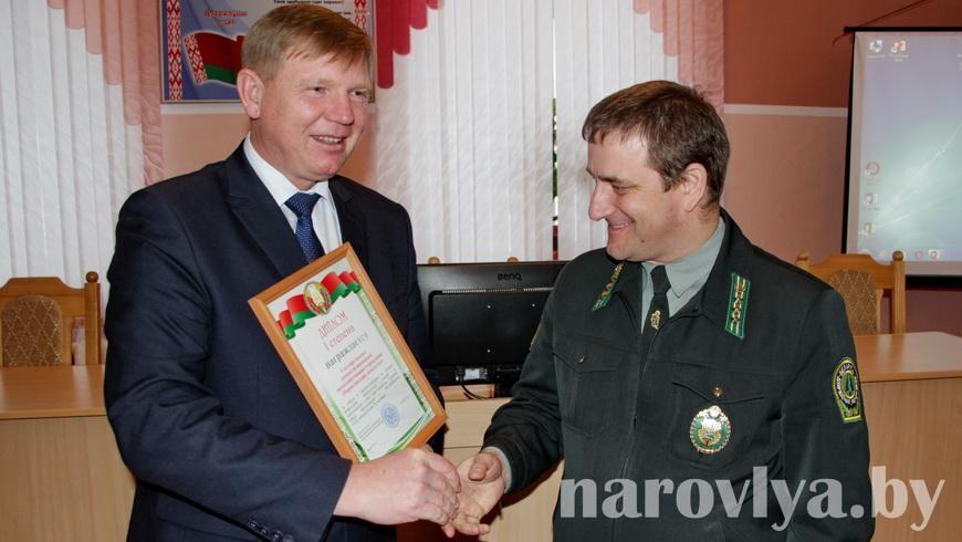 На Наровлянщине наградили победителей конкурса на лучшее новогоднее оформление