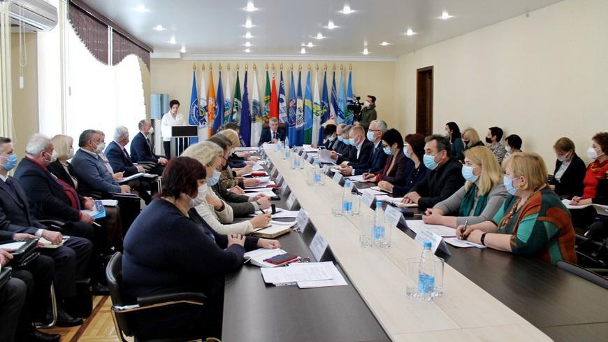 В Гомеле прошло расширенное заседание президиума совета областного объединения профсоюзов