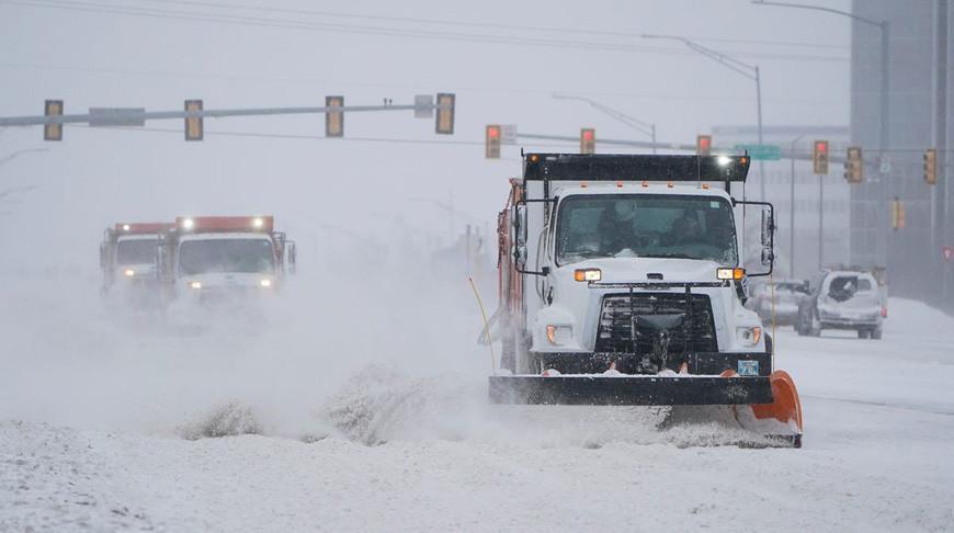 Из-за снежной бури в США без света остались более 3 млн человек