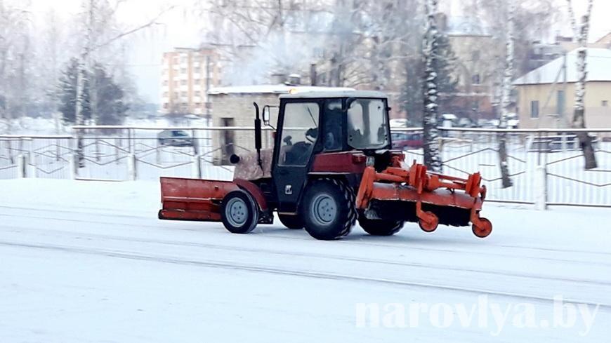Как справляются с расчисткой снега на Наровлянщине
