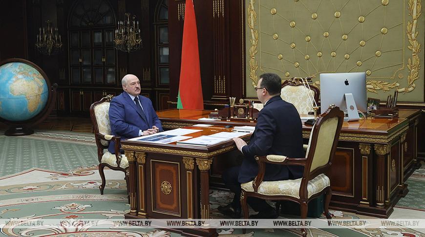 Лукашенко: дело чести Минздрава и НАН в кратчайшие сроки сделать самую лучшую вакцину от COVID-19