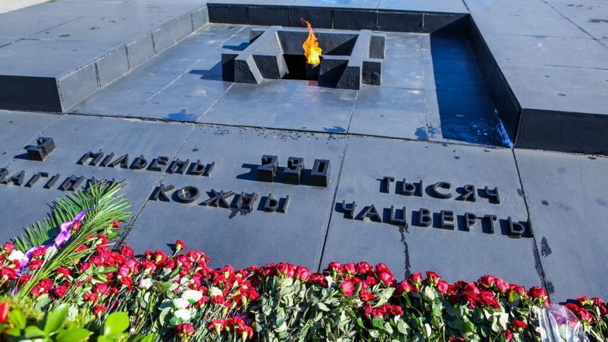 Представители ФПБ отдали дань памяти жертв сожженной деревни Хатынь