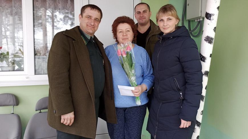 С праздником, женщины-ветераны Наровлянского спецлесхоза!