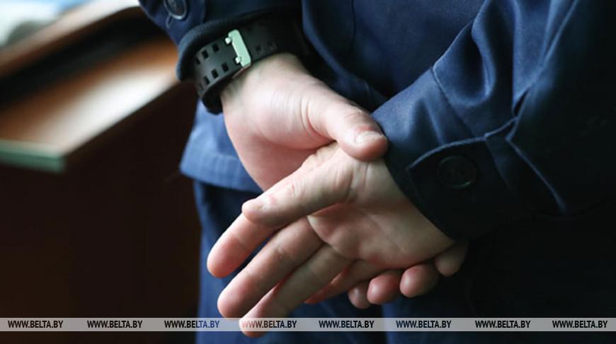 Руководитель привлек двух подчиненных к видеосъемкам с БЧБ-полотном — он задержан