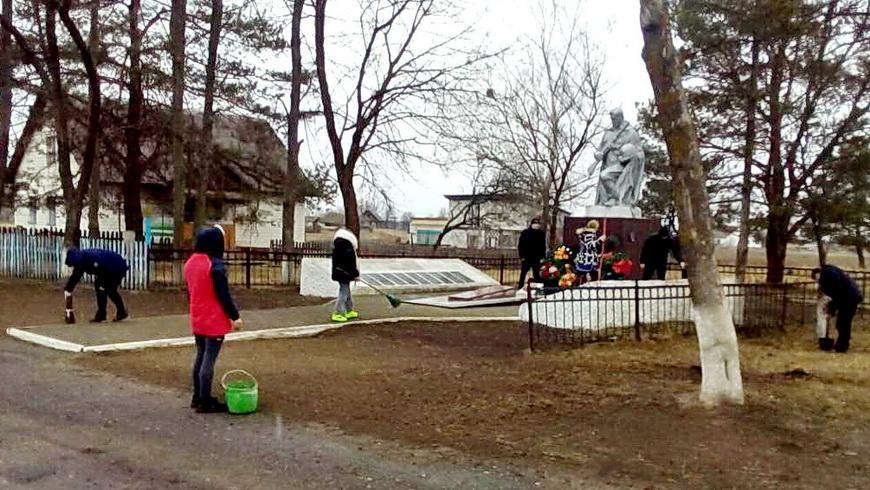 В Наровлянском районе продолжается акция «Мы помним»