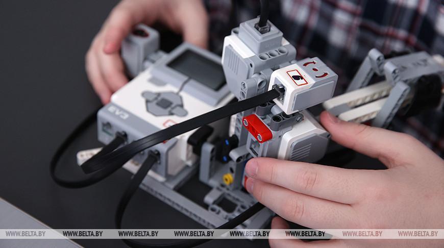 Более 300 юных робототехников поборются за победу в областном турнире Roboquest