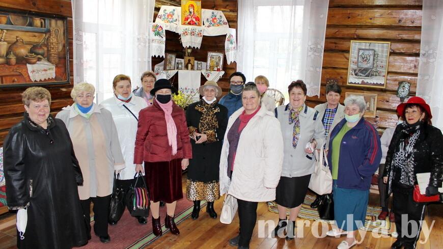 Наровлянский ТЦСОН принимал гостей