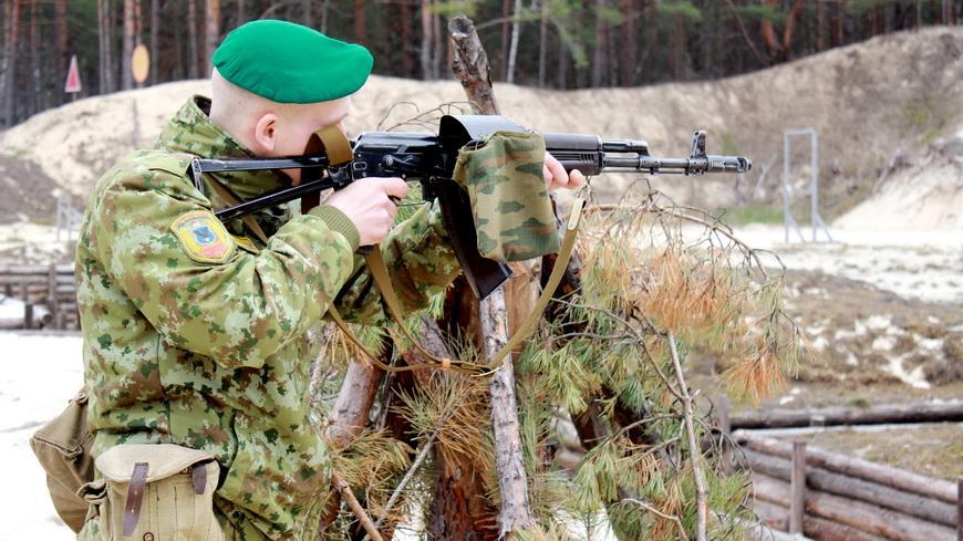 Будьте внимательны, не заходите за рубежи во время учебно-боевых стрельб!