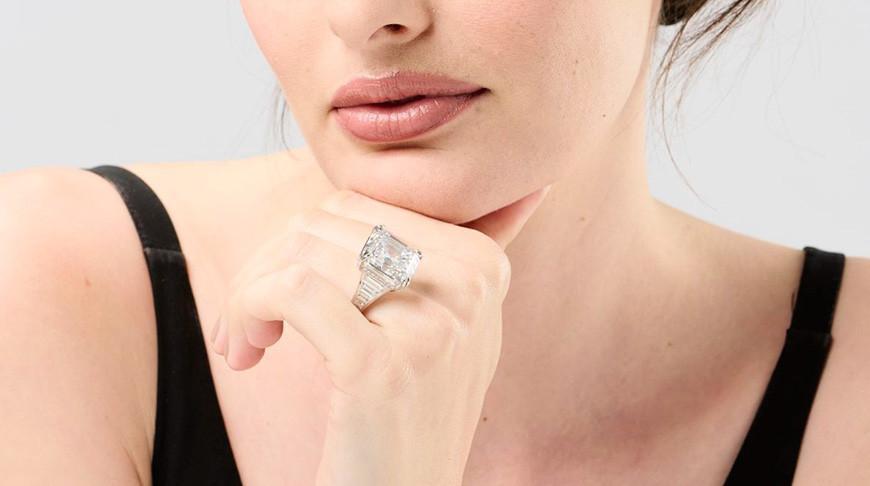 Кольцо с самым крупным бриллиантом Австралии продали за $965 тыс.