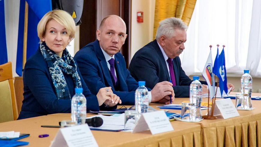 О чем говорили представители трех стран на конференции, посвященной охране труда?